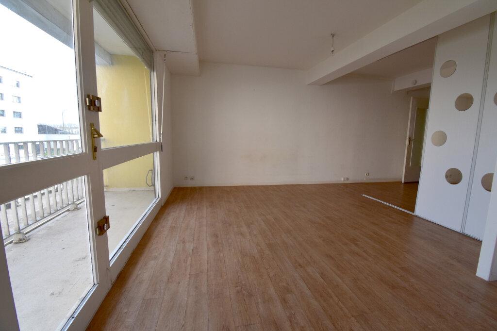 Appartement à louer 2 37.55m2 à Calais vignette-1