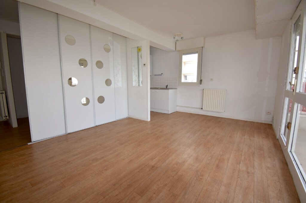 Appartement à louer 2 37.55m2 à Calais vignette-2