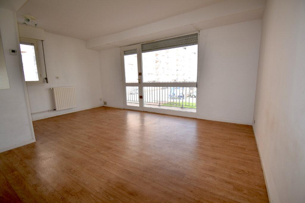 Appartement à louer 2 37.55m2 à Calais vignette-3