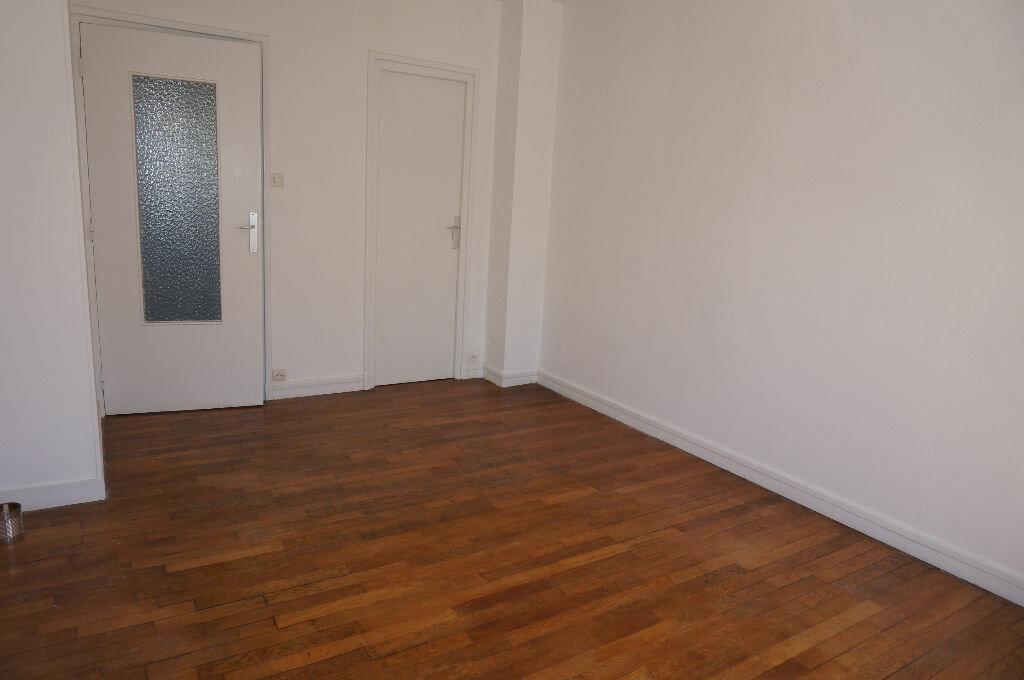 Appartement à louer 2 39m2 à Calais vignette-1