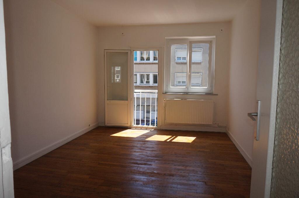 Appartement à louer 2 39m2 à Calais vignette-2