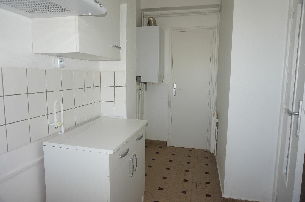 Appartement à louer 2 39m2 à Calais vignette-3