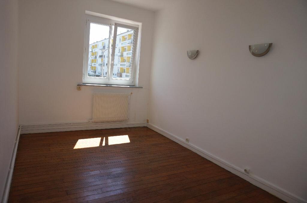 Appartement à louer 2 39m2 à Calais vignette-4