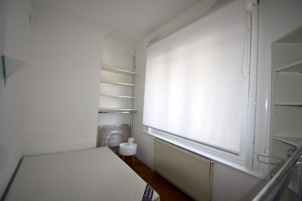 Appartement à louer 2 24.95m2 à Calais vignette-3