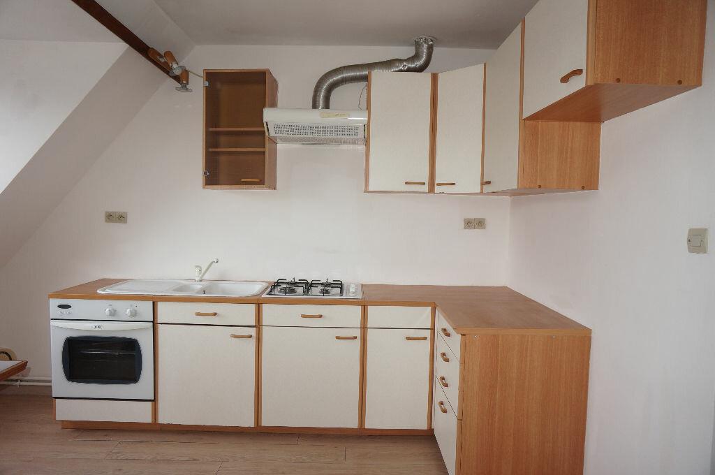 Appartement à louer 3 69m2 à Calais vignette-1