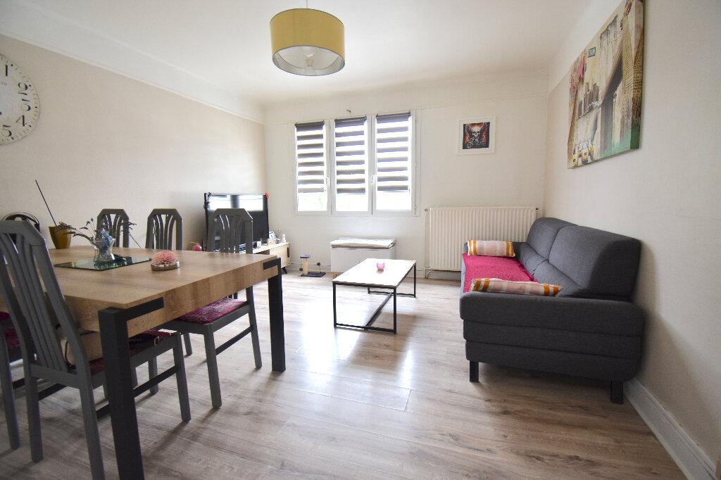Appartement à louer 2 45m2 à Calais vignette-1