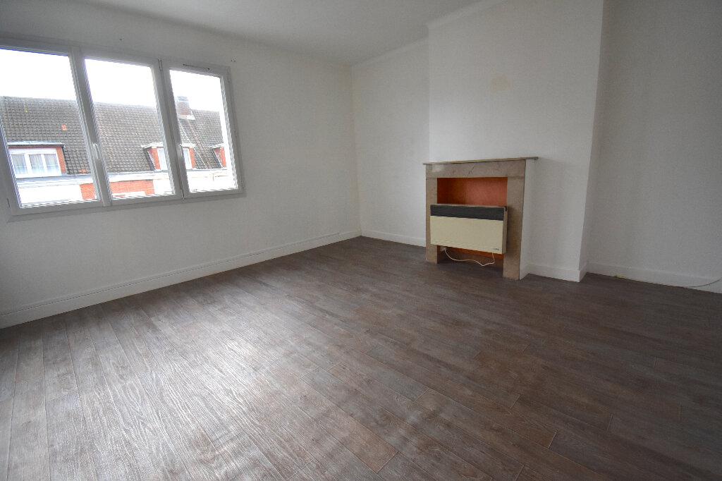 Appartement à louer 2 47m2 à Calais vignette-1