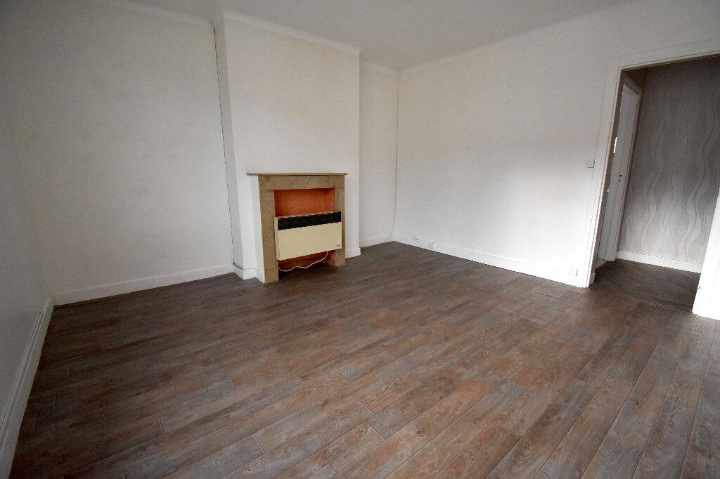 Appartement à louer 2 47m2 à Calais vignette-2