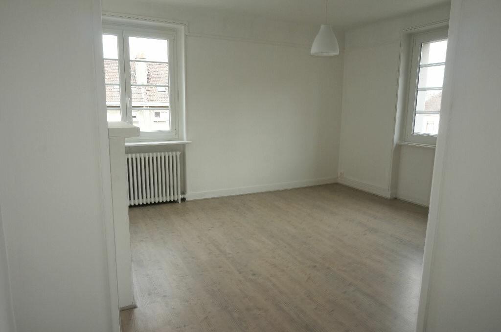 Appartement à louer 3 69.86m2 à Calais vignette-4