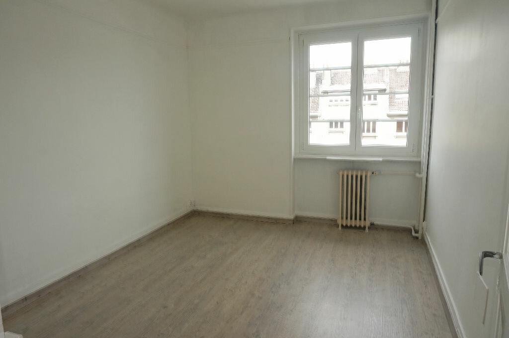 Appartement à louer 3 69.86m2 à Calais vignette-5