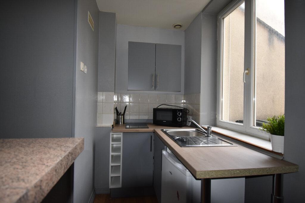 Appartement à louer 1 22m2 à Calais vignette-3
