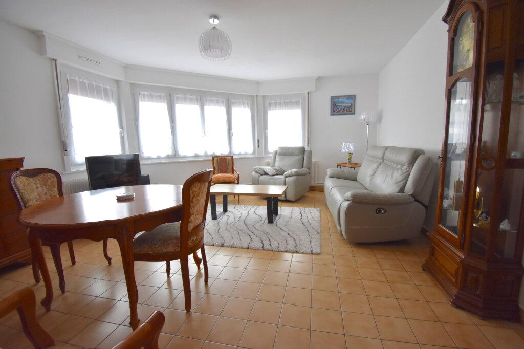 Appartement à louer 3 65.49m2 à Calais vignette-1