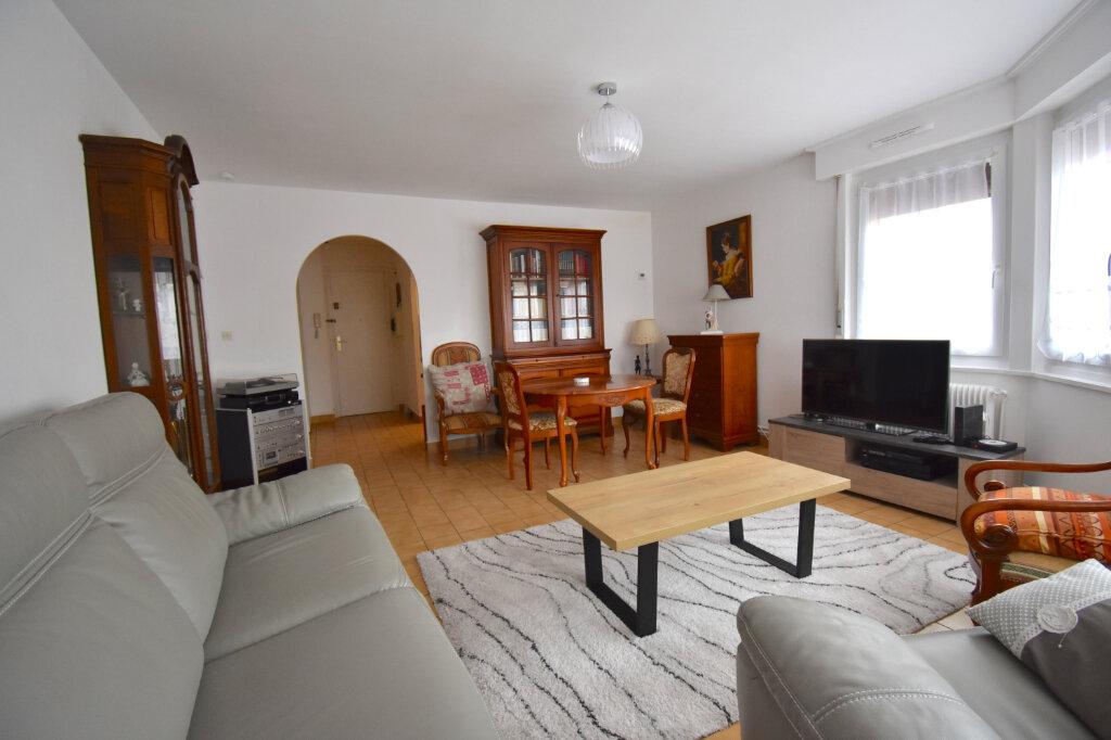 Appartement à louer 3 65.49m2 à Calais vignette-2