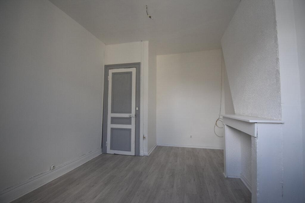 Appartement à louer 2 48m2 à Calais vignette-2