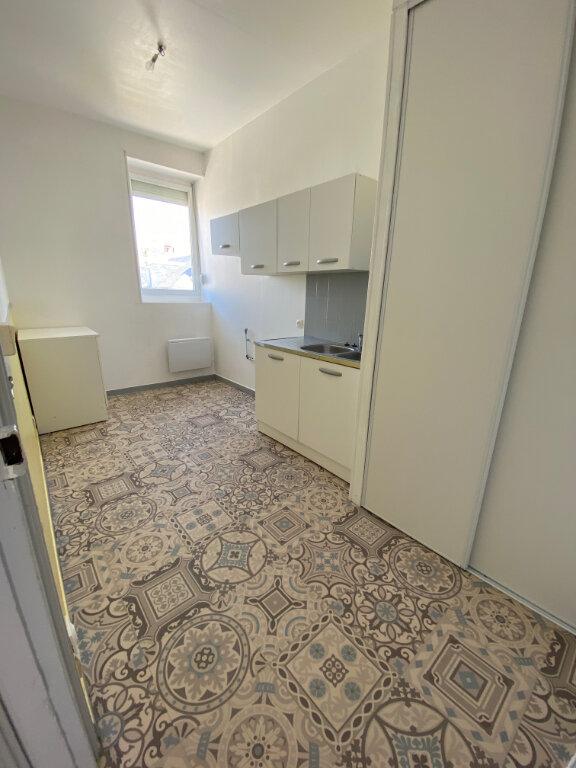 Appartement à louer 2 48m2 à Calais vignette-4