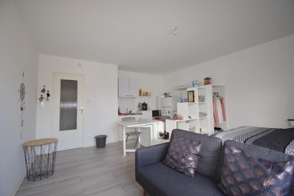 Appartement à louer 1 29.54m2 à Calais vignette-2