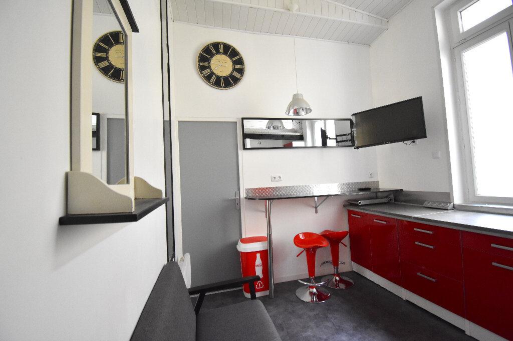 Appartement à louer 1 16.18m2 à Calais vignette-2