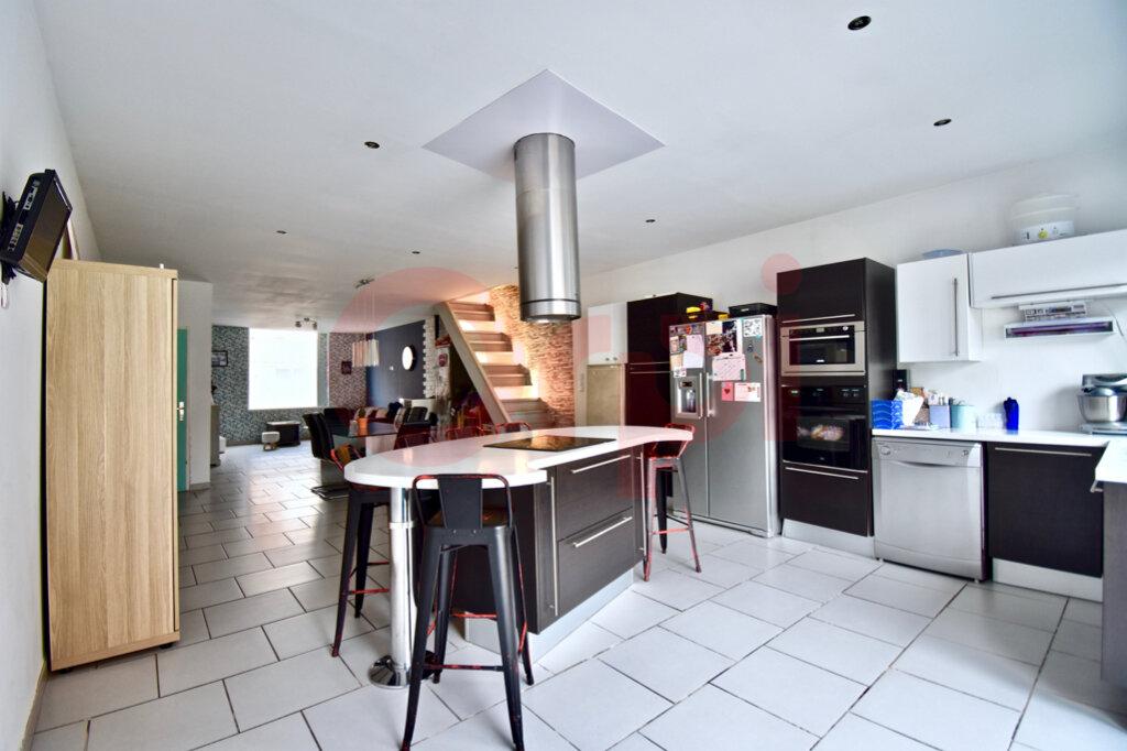 Maison à vendre 4 135m2 à Calais vignette-3