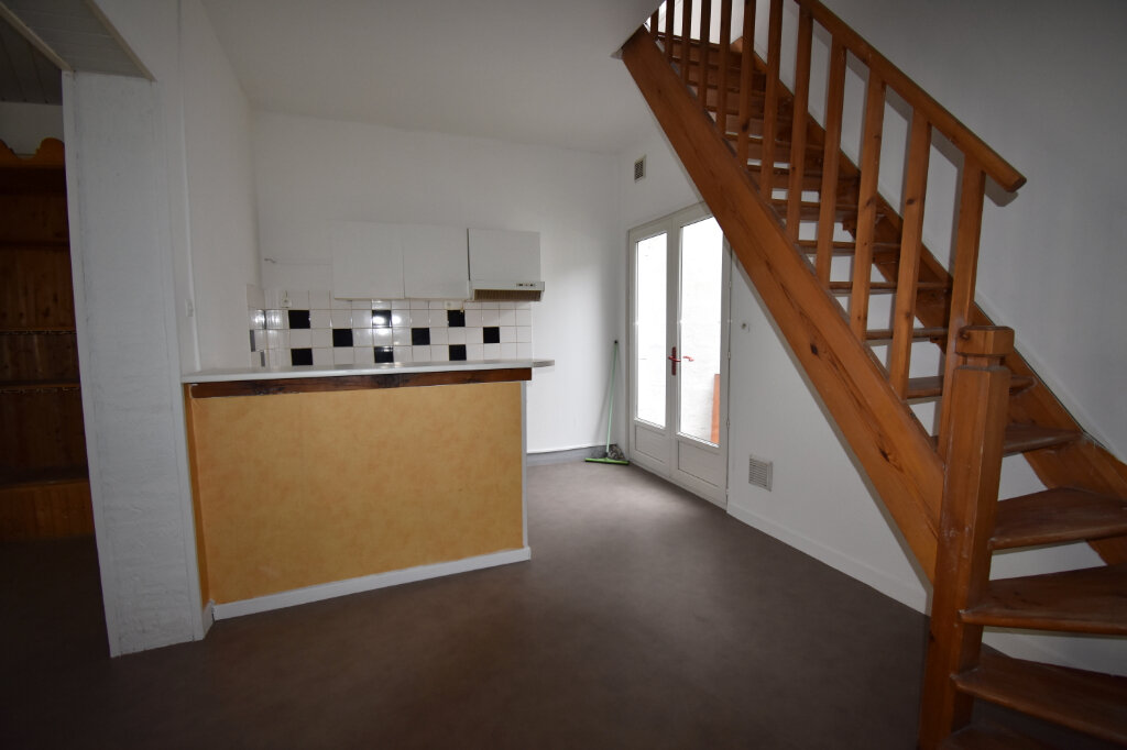 Appartement à louer 3 81m2 à Guînes vignette-3