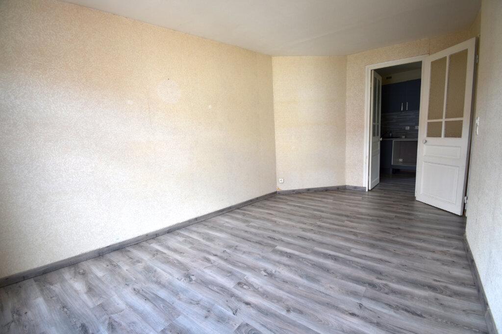 Appartement à louer 3 59m2 à Calais vignette-1