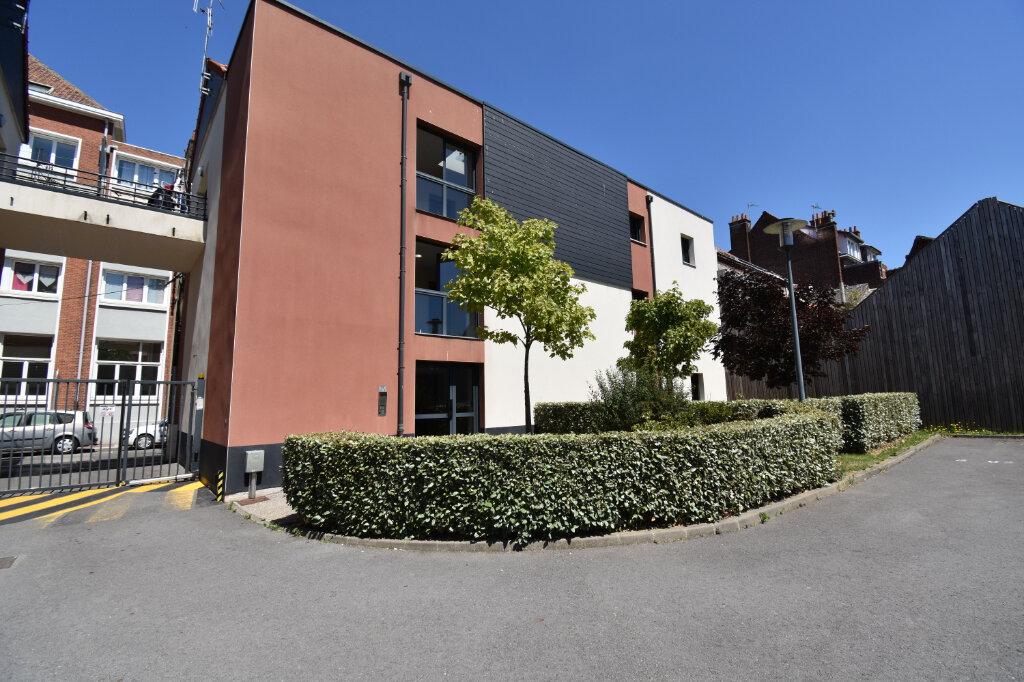 Appartement à louer 3 70m2 à Calais vignette-1