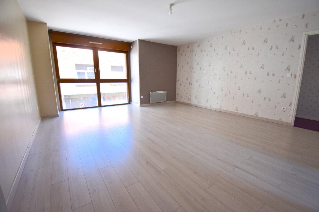 Appartement à louer 3 70m2 à Calais vignette-3