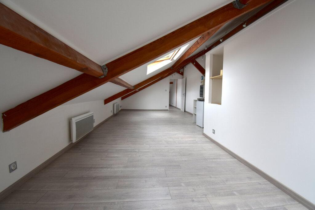 Appartement à louer 2 31.27m2 à Calais vignette-2