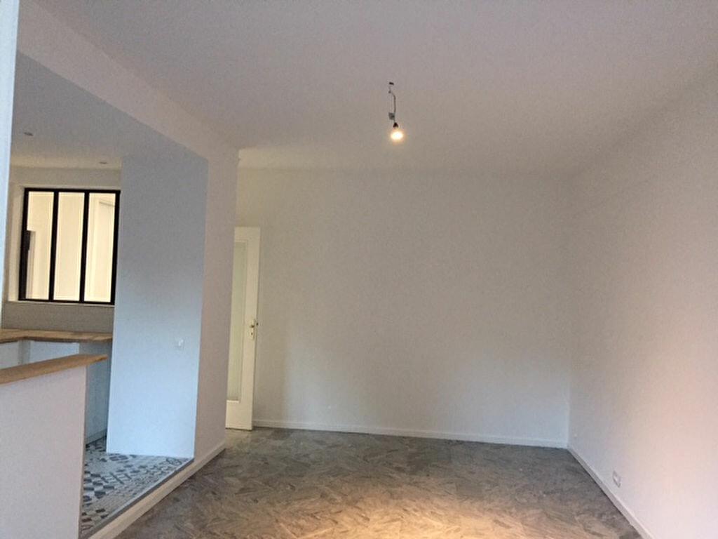Appartement à louer 2 54.8m2 à Nice vignette-2