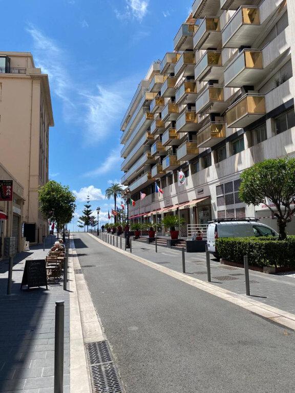 Appartement à louer 1 27.42m2 à Nice vignette-1