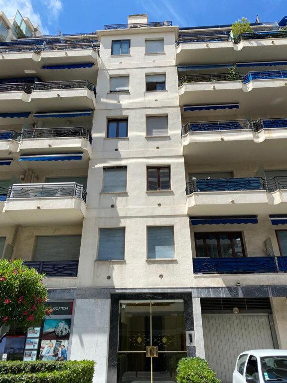 Appartement à louer 1 27.42m2 à Nice vignette-2