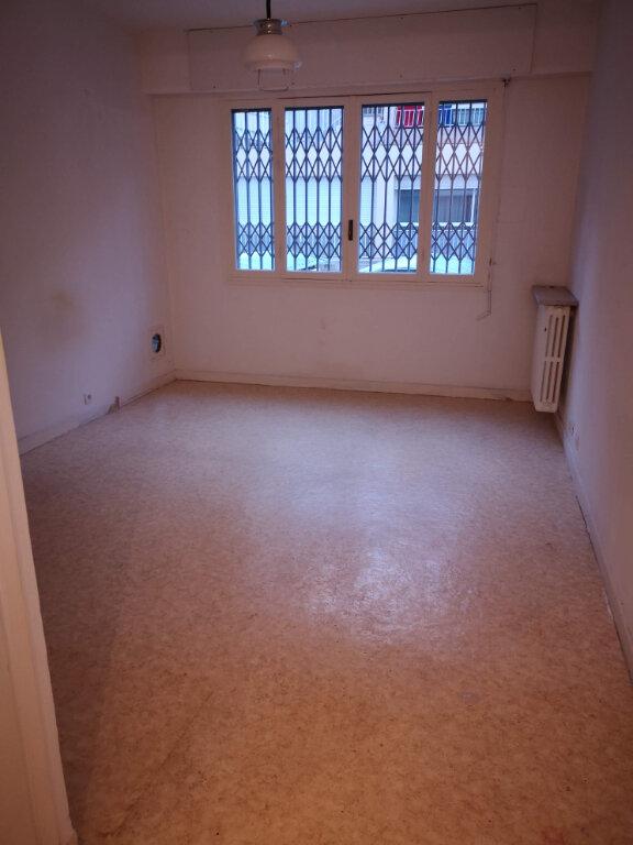 Appartement à louer 1 27.42m2 à Nice vignette-4