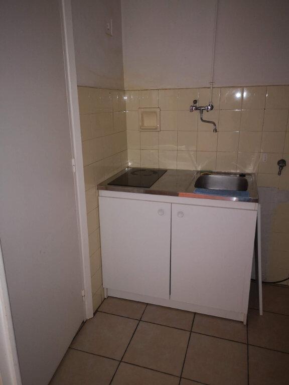 Appartement à louer 1 27.42m2 à Nice vignette-5