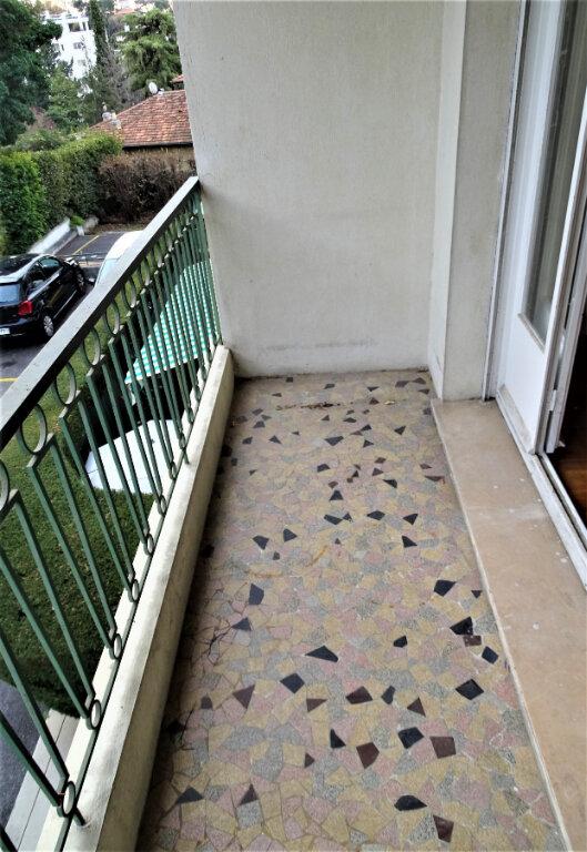 Appartement à louer 1 39.5m2 à Nice vignette-4