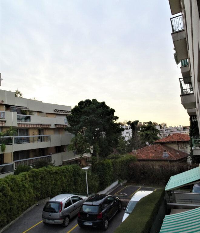 Appartement à louer 1 39.5m2 à Nice vignette-5