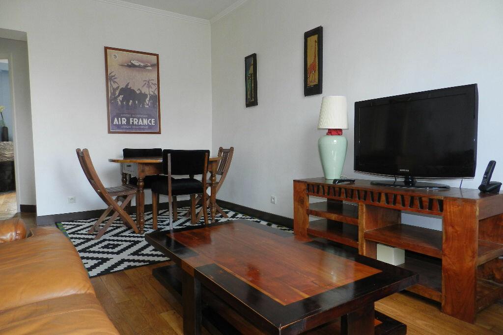 Appartement à louer 2 48.71m2 à La Varenne - Saint-Maur-des-Fossés vignette-3