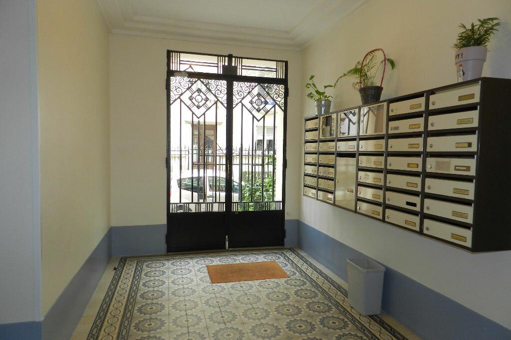 Appartement à louer 2 48.71m2 à La Varenne - Saint-Maur-des-Fossés vignette-7