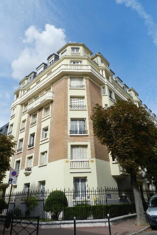 Appartement à louer 2 48.71m2 à La Varenne - Saint-Maur-des-Fossés vignette-8