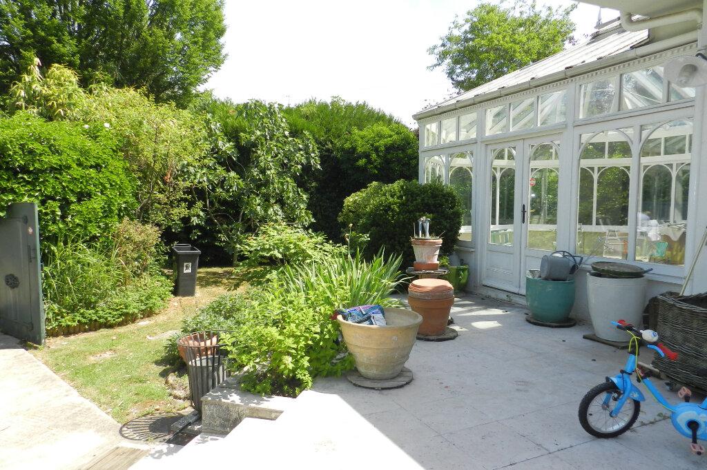 Maison à vendre 7 320m2 à La Varenne - Saint-Maur-des-Fossés vignette-1