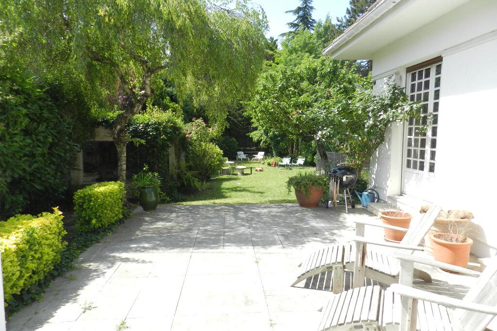 Maison à vendre 7 320m2 à La Varenne - Saint-Maur-des-Fossés vignette-2