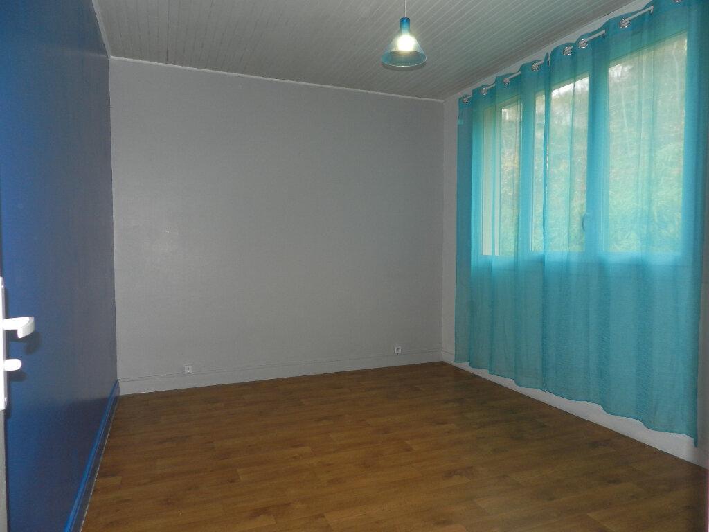 Appartement à louer 3 81.4m2 à Chennevières-sur-Marne vignette-3