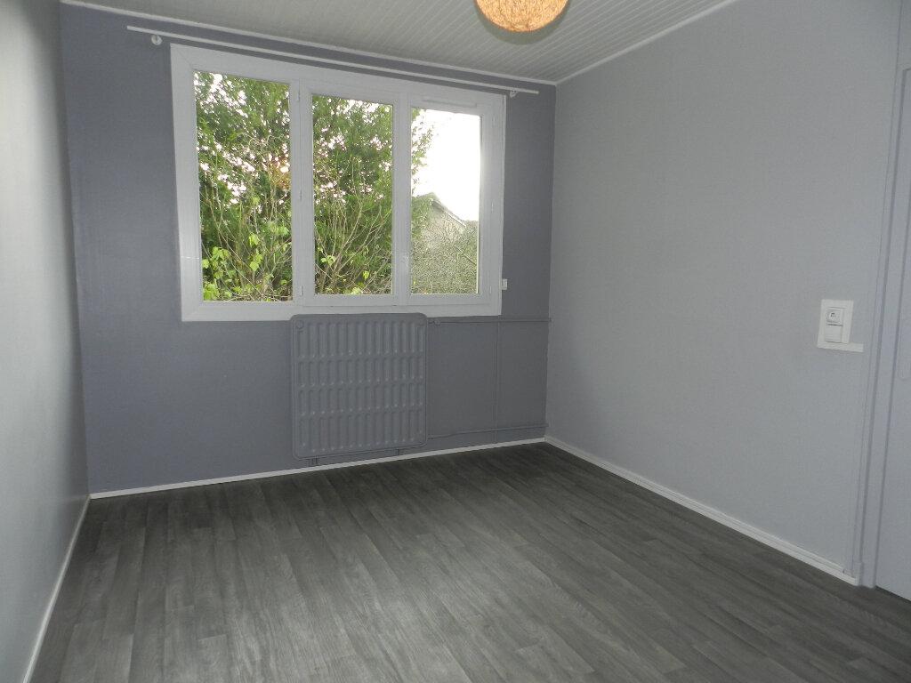 Appartement à louer 3 81.4m2 à Chennevières-sur-Marne vignette-4