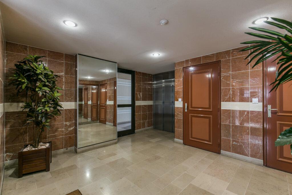 Appartement à vendre 5 98.59m2 à La Varenne - Saint-Maur-des-Fossés vignette-1