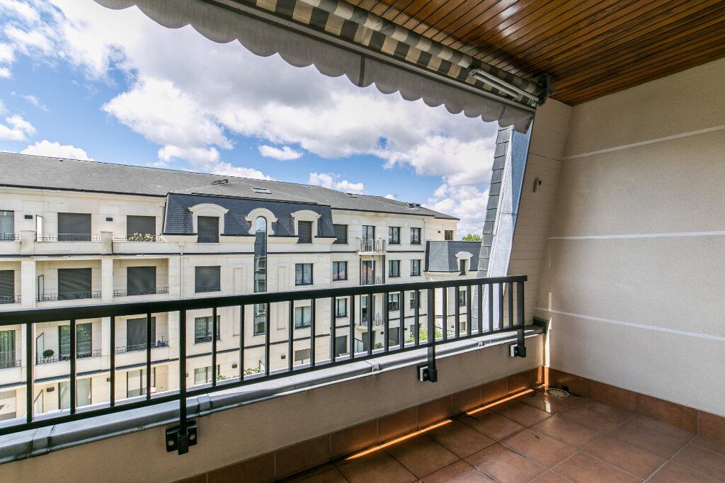 Appartement à vendre 5 98.59m2 à La Varenne - Saint-Maur-des-Fossés vignette-2
