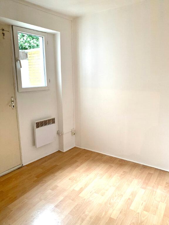 Appartement à louer 1 22.31m2 à Paris 20 vignette-3