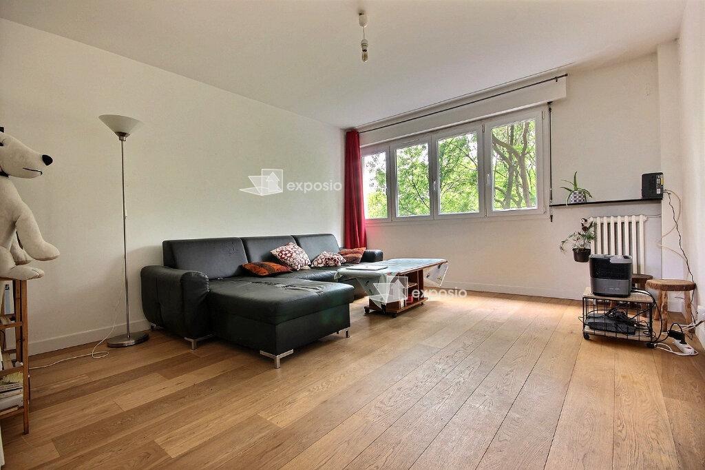 Appartement à louer 4 68m2 à Paris 19 vignette-1