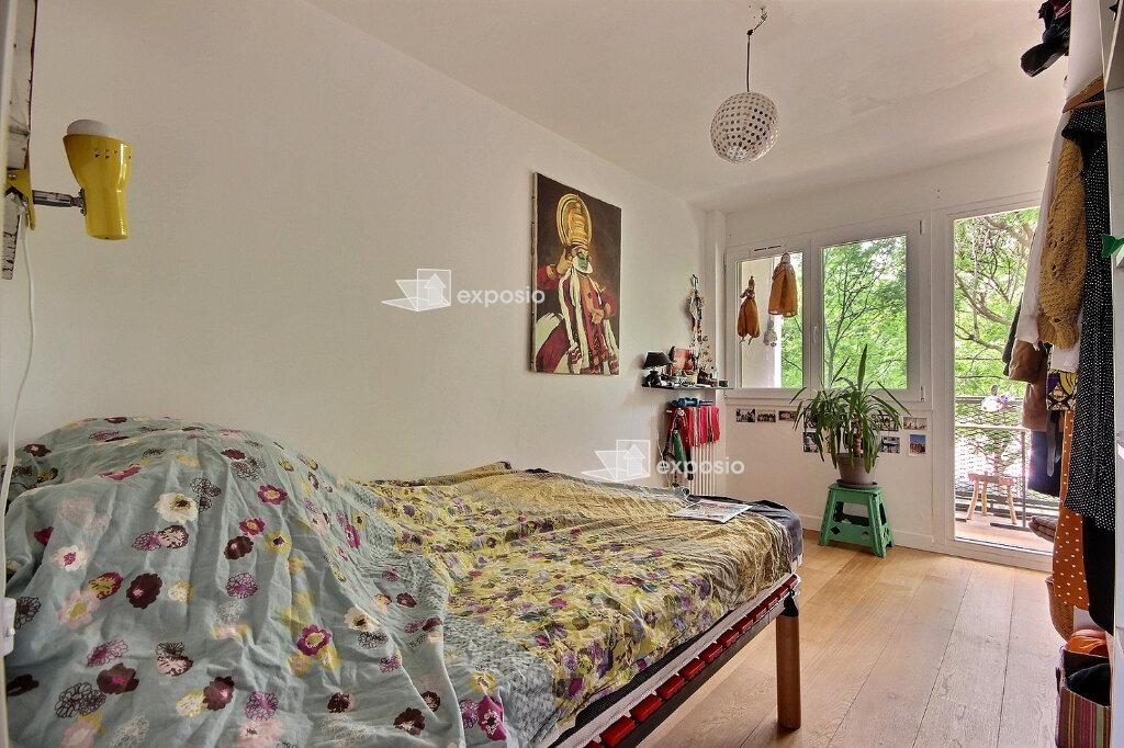 Appartement à louer 4 68m2 à Paris 19 vignette-2