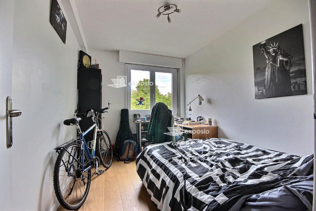 Appartement à louer 4 68m2 à Paris 19 vignette-4