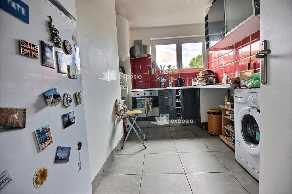 Appartement à louer 4 68m2 à Paris 19 vignette-5