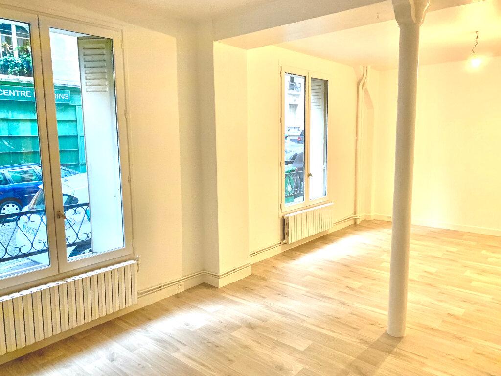 Appartement à louer 2 54.26m2 à Paris 20 vignette-2