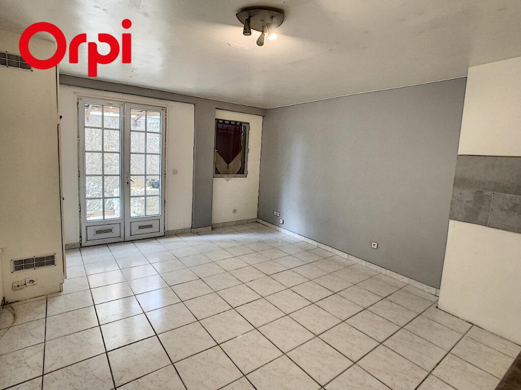 Appartement à louer 1 28.1m2 à Mézy-sur-Seine vignette-1
